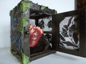 Reliquaire coeur, 21x29x19cm, disponible également avec Art Rookie