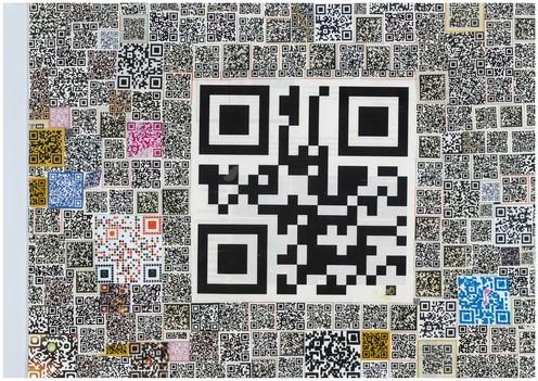 Spam, collage sur toile de lin, 40x30cm, également disponible avec Art Rookie